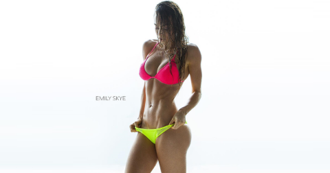 Emily Skye – 10 Hot Pictures von Instagram